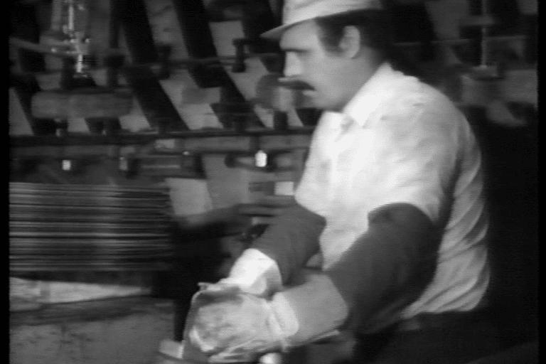 Telewissen, Trio Sonata in Video. Deutschland, Deutschland. 3. Satz: Arbeit, 1977, U-Matic, digitalisiert, 19:24 Min., s/w, Ton, Videostill, Videoarchiv Ludwig Forum für Internationale Kunst Aachen. © Telewissen